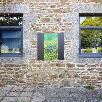 "Exposition ""Macrocosmos"" escargot, façade entrée Bibliothèque de Quessoy"